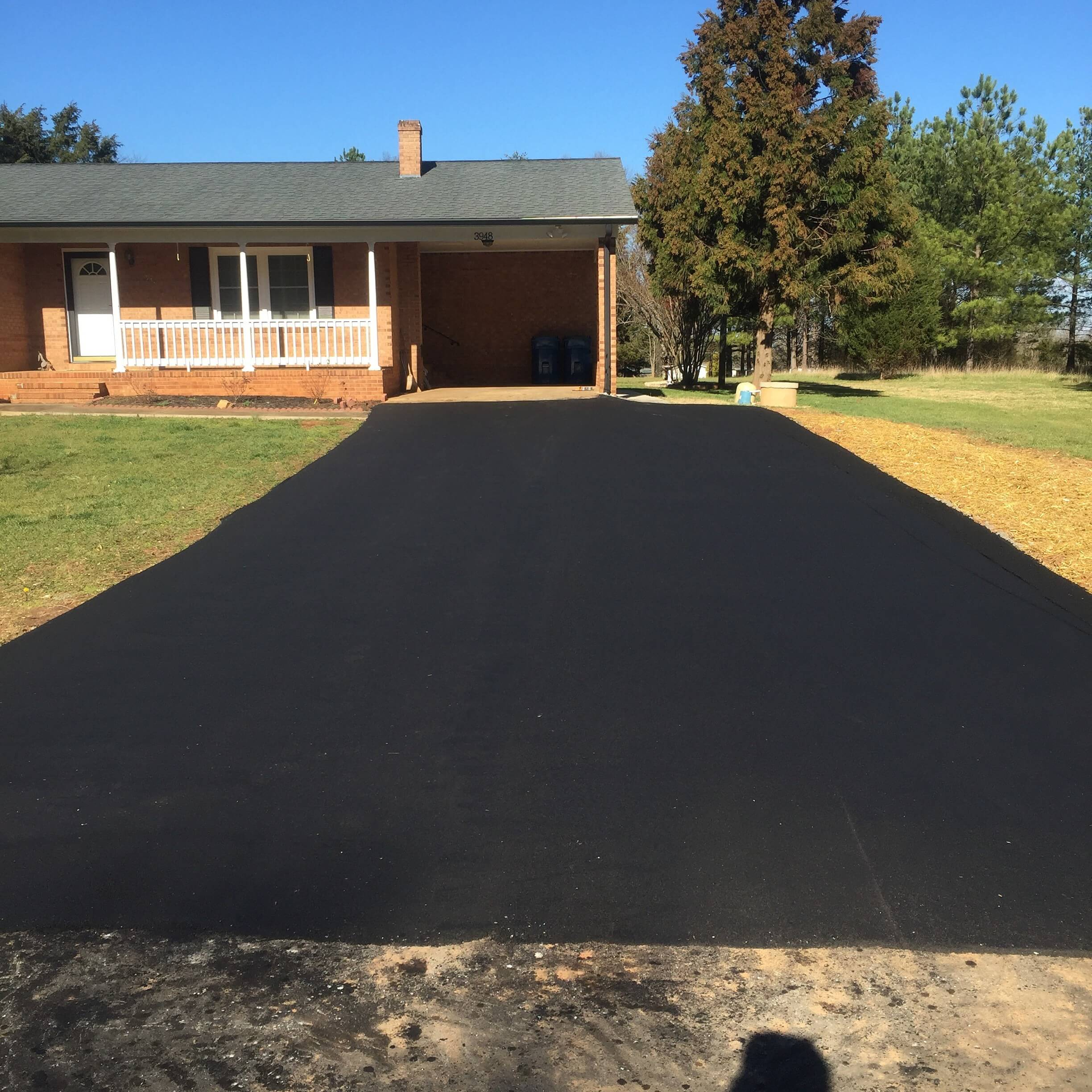 Can you asphalt your own driveway?