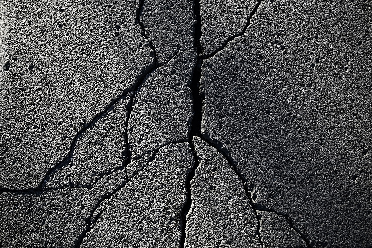 Types of Asphalt Cracks